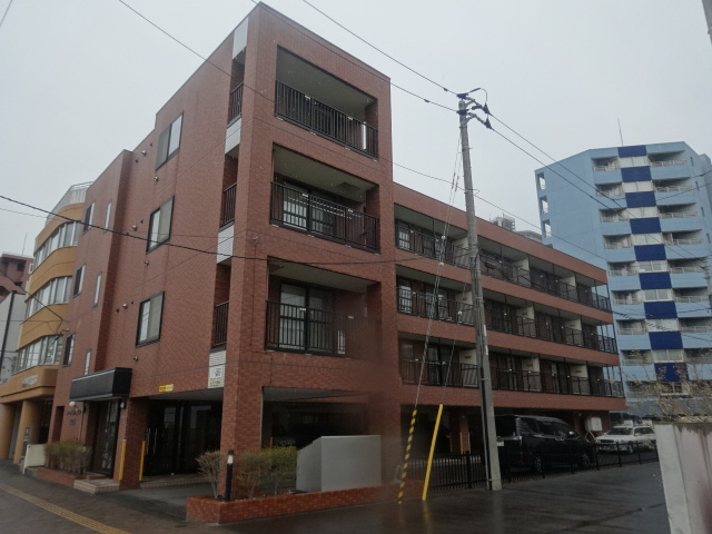 北海道札幌市中央区、苗穂駅徒歩10分の築13年 4階建の賃貸マンション
