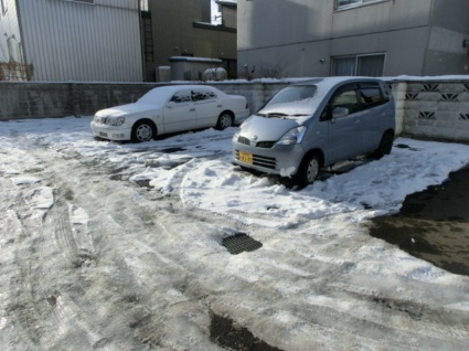 OPUS512[1LDK/43.75m2]の駐車場