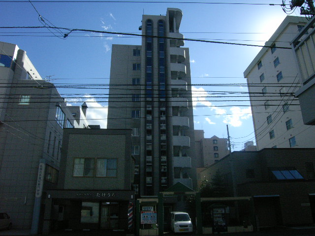 北海道札幌市中央区、行啓通駅徒歩8分の築25年 10階建の賃貸マンション