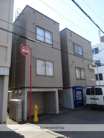 北海道札幌市中央区、西11丁目駅徒歩10分の築18年 3階建の賃貸アパート