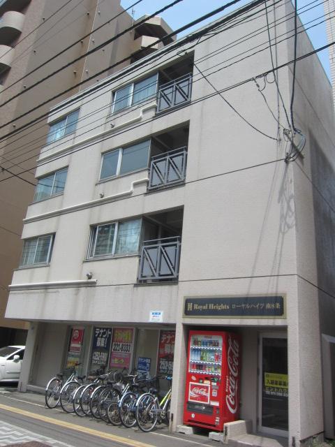 北海道札幌市中央区、西線6条駅徒歩10分の築29年 4階建の賃貸マンション
