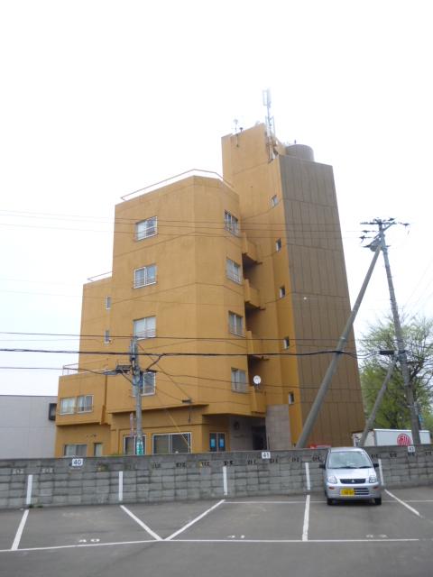 北海道札幌市中央区、西28丁目駅徒歩11分の築29年 5階建の賃貸マンション
