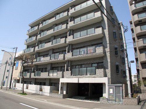 北海道札幌市中央区、西線14条駅徒歩8分の築24年 6階建の賃貸マンション