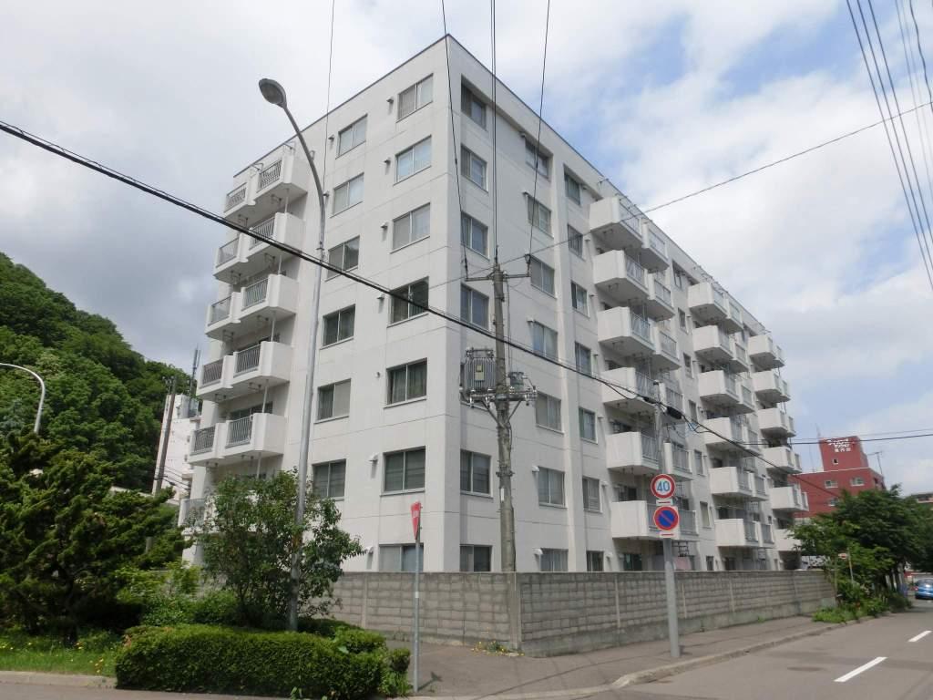 北海道札幌市中央区、円山公園駅徒歩11分の築43年 7階建の賃貸マンション