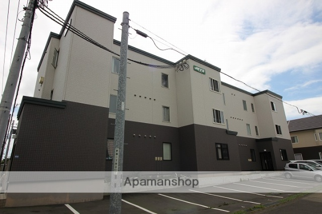 北海道千歳市の築4年 3階建の賃貸アパート