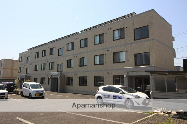 北海道千歳市、長都駅徒歩25分の築5年 3階建の賃貸マンション
