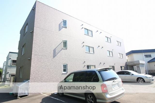 北海道恵庭市、恵み野駅徒歩14分の築15年 3階建の賃貸マンション
