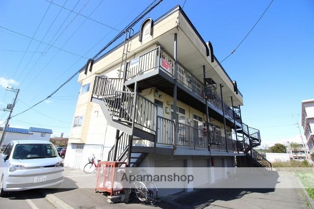 北海道恵庭市の築27年 3階建の賃貸アパート