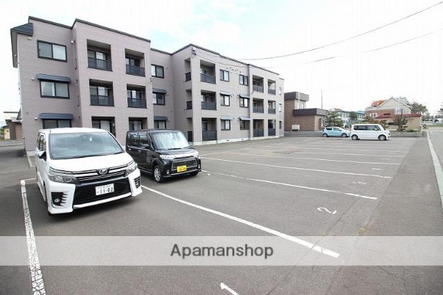北海道恵庭市、恵庭駅ECOバスバス8分豊栄神社前下車後徒歩8分の築15年 3階建の賃貸アパート