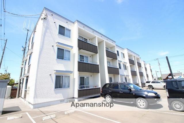 北海道恵庭市、恵庭駅徒歩18分の築2年 3階建の賃貸アパート
