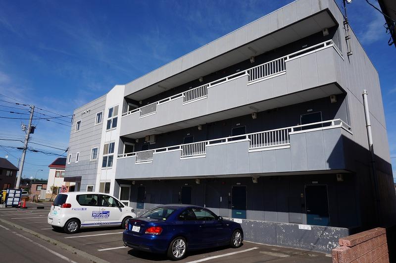 北海道恵庭市、恵庭駅徒歩4分の築22年 3階建の賃貸マンション