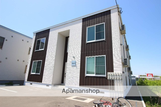 北海道恵庭市、恵み野駅徒歩2分の築1年 2階建の賃貸アパート