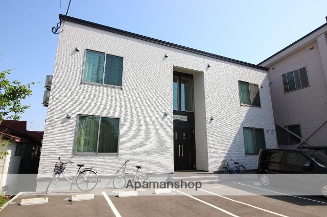 北海道恵庭市、恵庭駅徒歩3分の築1年 2階建の賃貸アパート