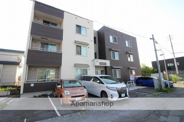 北海道恵庭市の新築 3階建の賃貸アパート