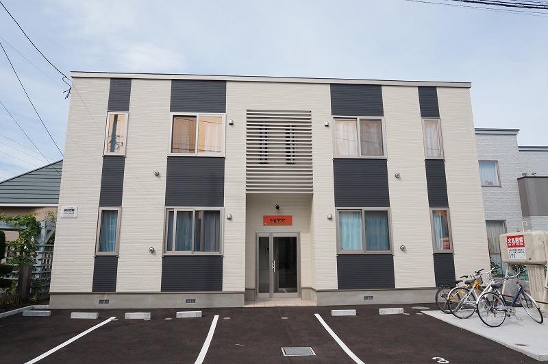 北海道恵庭市、恵庭駅徒歩8分の築3年 2階建の賃貸アパート