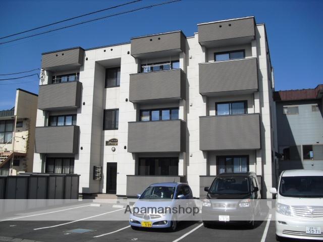 北海道苫小牧市の築7年 3階建の賃貸アパート