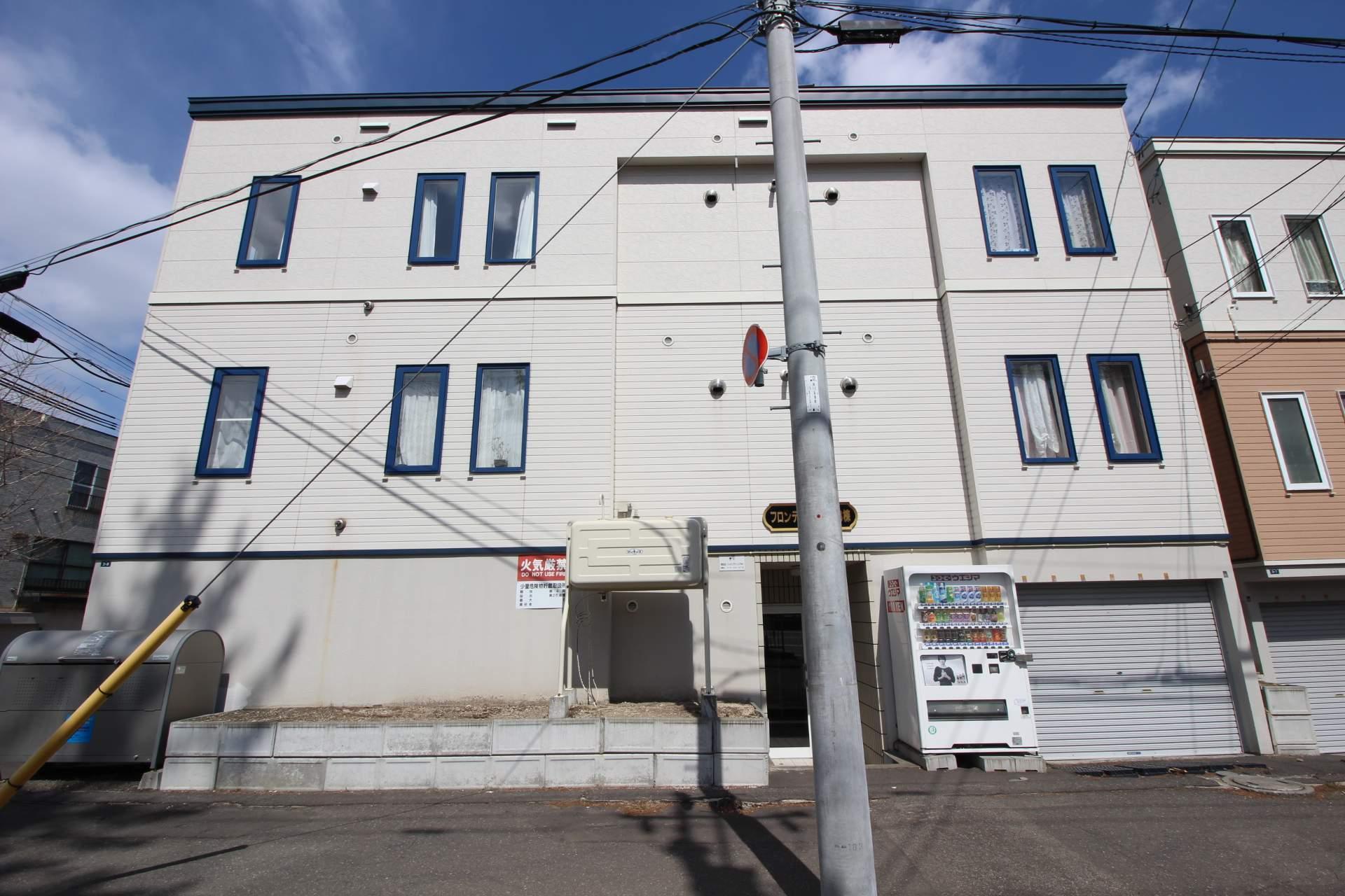 北海道札幌市中央区、幌平橋駅徒歩7分の築12年 3階建の賃貸アパート