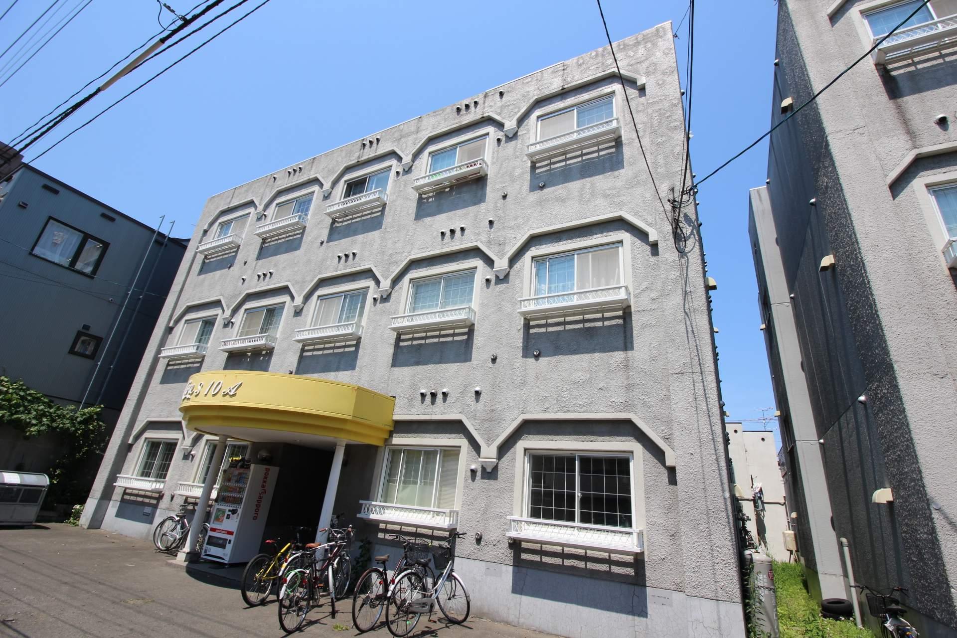 北海道札幌市中央区、西18丁目駅徒歩22分の築26年 3階建の賃貸マンション