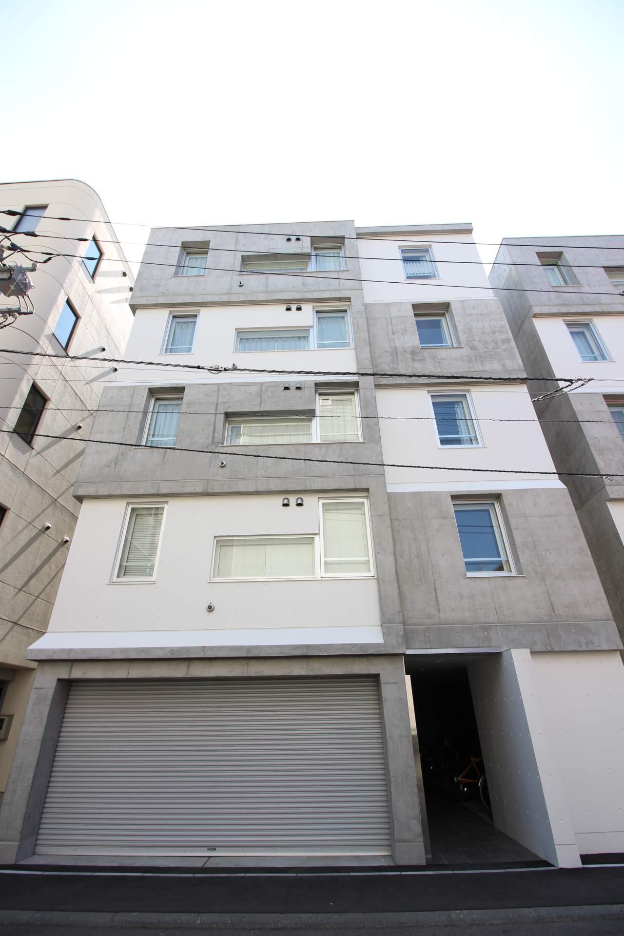 北海道札幌市中央区、桑園駅徒歩15分の築1年 5階建の賃貸マンション