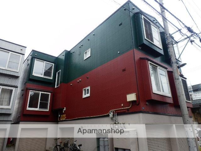 北海道札幌市中央区、石山通駅徒歩5分の築22年 3階建の賃貸アパート