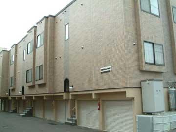 北海道札幌市中央区、幌平橋駅徒歩10分の築14年 3階建の賃貸アパート