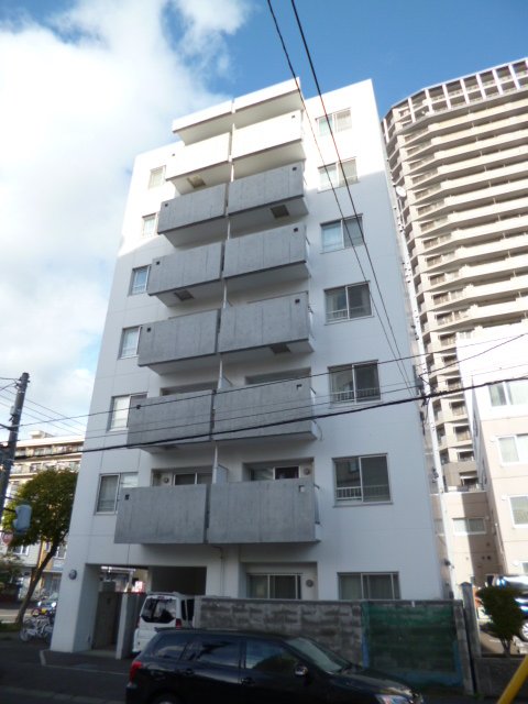 北海道札幌市中央区、ロープウェイ入口駅徒歩3分の築9年 7階建の賃貸マンション
