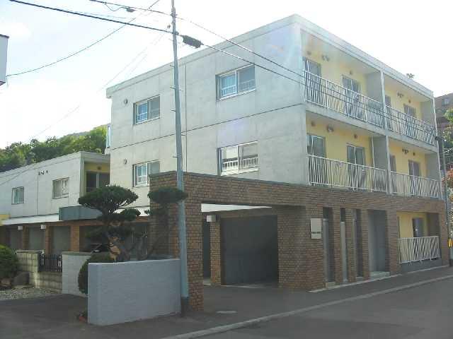 北海道札幌市中央区、西線14条駅徒歩10分の築17年 3階建の賃貸マンション
