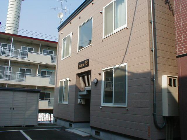北海道札幌市中央区、円山公園駅徒歩10分の築20年 2階建の賃貸アパート