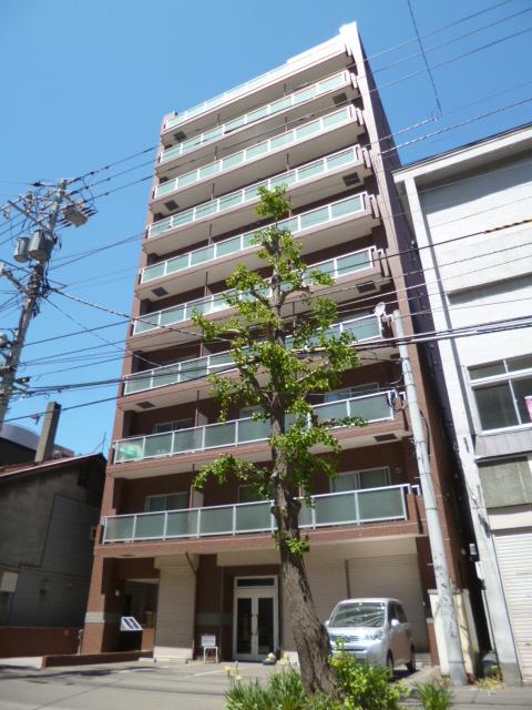 北海道札幌市中央区、西8丁目駅徒歩5分の築18年 10階建の賃貸マンション
