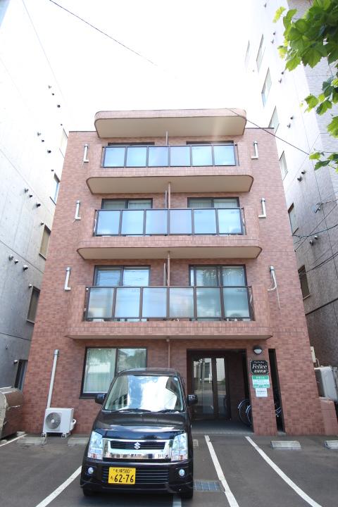 北海道札幌市中央区、札幌駅バス12分北12条西15丁目下車後徒歩1分の築13年 4階建の賃貸マンション