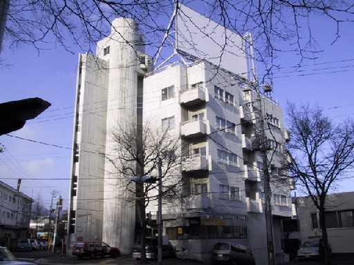 北海道札幌市中央区、西28丁目駅徒歩11分の築28年 5階建の賃貸マンション