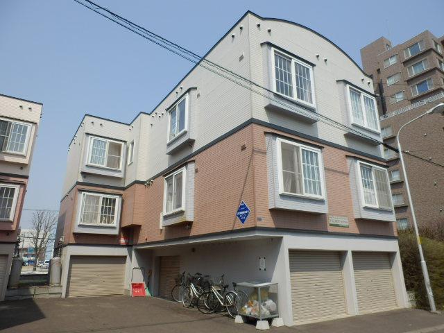 北海道札幌市中央区、桑園駅徒歩13分の築20年 3階建の賃貸アパート