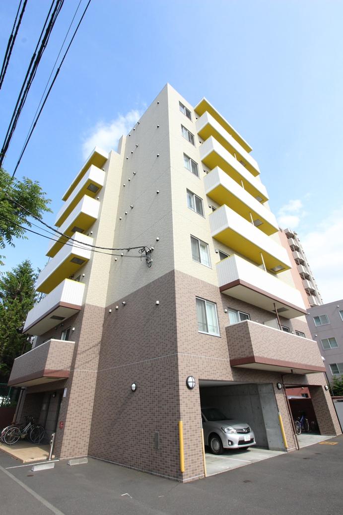 北海道札幌市中央区、桑園駅徒歩8分の築9年 7階建の賃貸マンション
