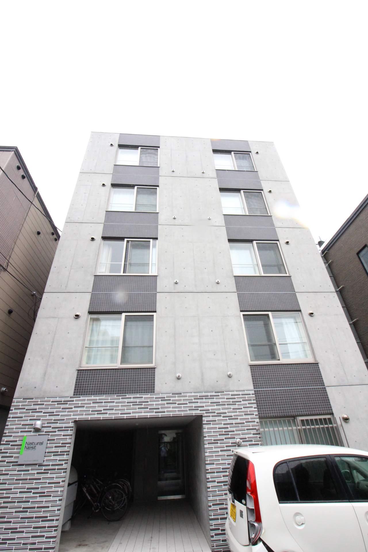 北海道札幌市中央区、西18丁目駅徒歩7分の築1年 5階建の賃貸マンション