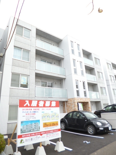 北海道札幌市中央区、桑園駅徒歩5分の築3年 4階建の賃貸マンション