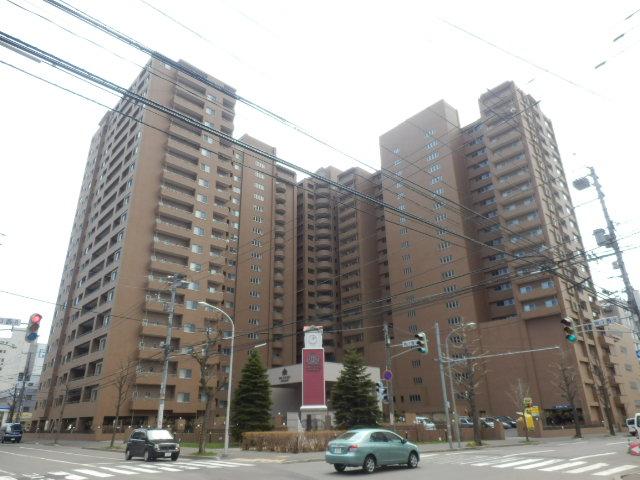 北海道札幌市中央区、西8丁目駅徒歩7分の築12年 20階建の賃貸マンション