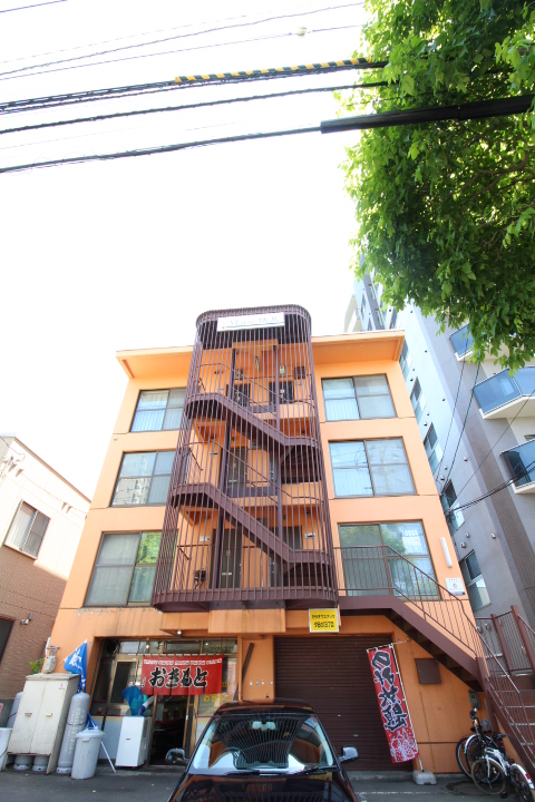 北海道札幌市中央区、ロープウェイ入口駅徒歩3分の築28年 4階建の賃貸マンション