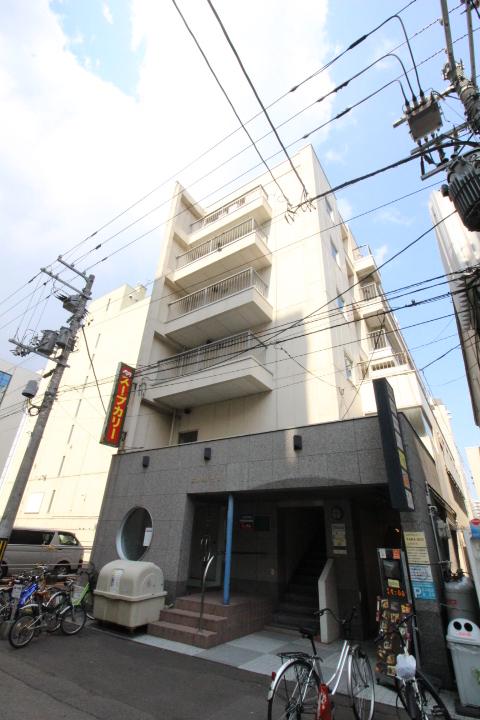 北海道札幌市中央区、バスセンター前駅徒歩5分の築35年 6階建の賃貸マンション