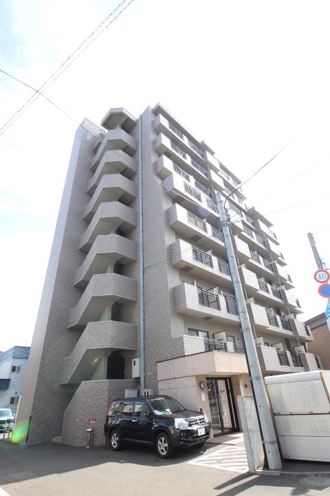 北海道札幌市中央区、桑園駅徒歩7分の築14年 9階建の賃貸マンション