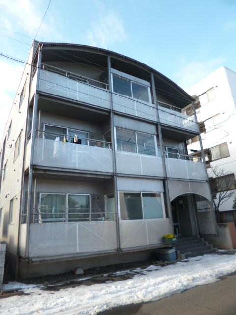 北海道札幌市中央区、山鼻19条駅徒歩2分の築29年 3階建の賃貸マンション