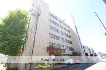北海道札幌市厚別区、厚別駅徒歩4分の築32年 6階建の賃貸マンション