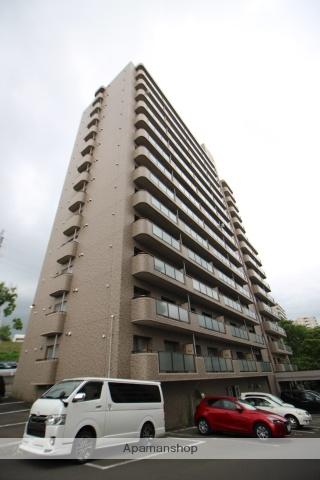 北海道札幌市豊平区、南平岸駅徒歩12分の築22年 14階建の賃貸マンション