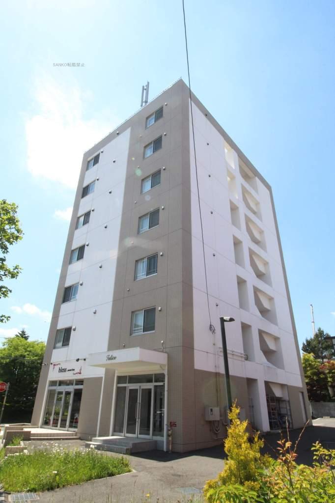 北海道札幌市厚別区、新札幌駅徒歩8分の築7年 7階建の賃貸マンション