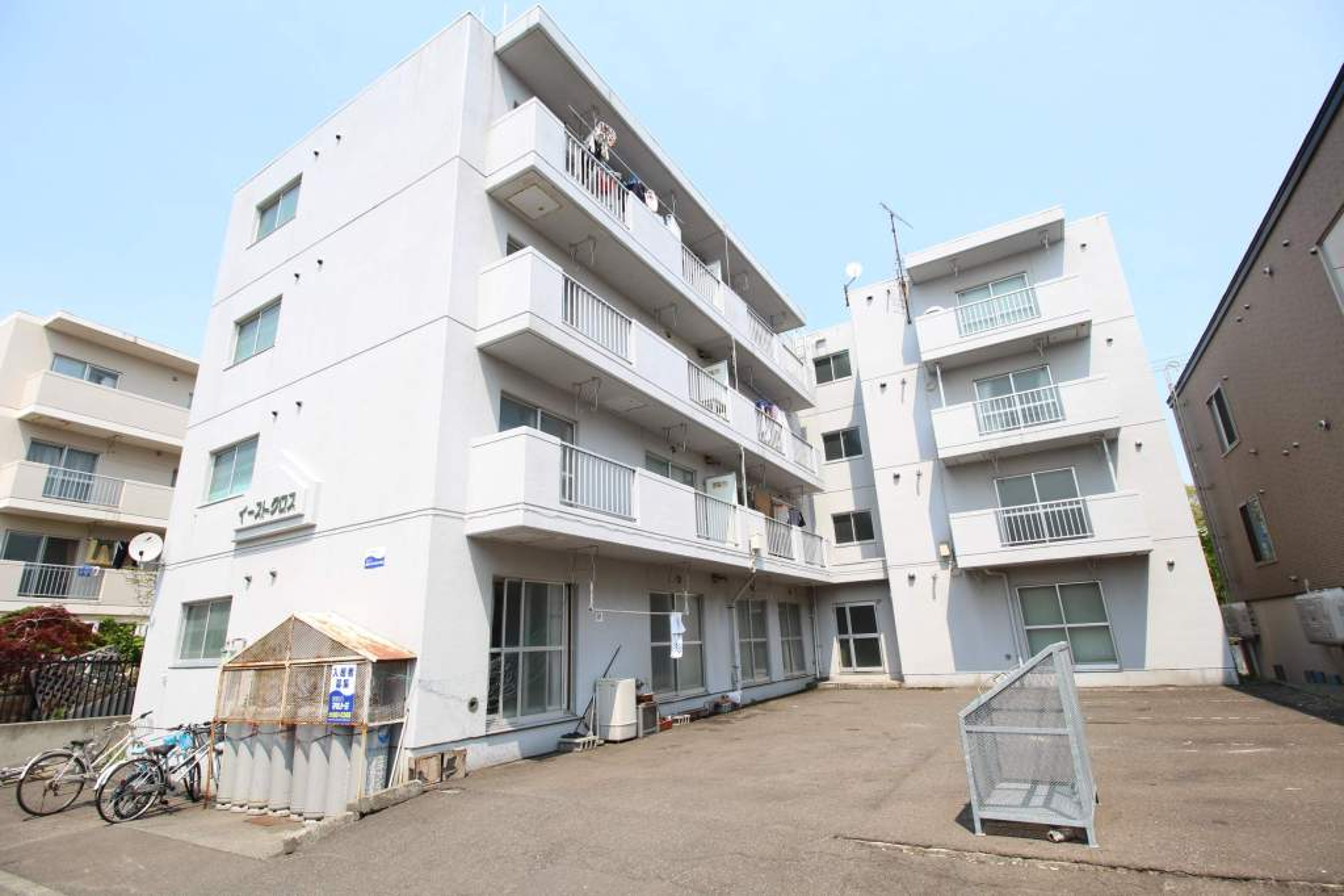 北海道札幌市厚別区、森林公園駅徒歩16分の築26年 4階建の賃貸マンション