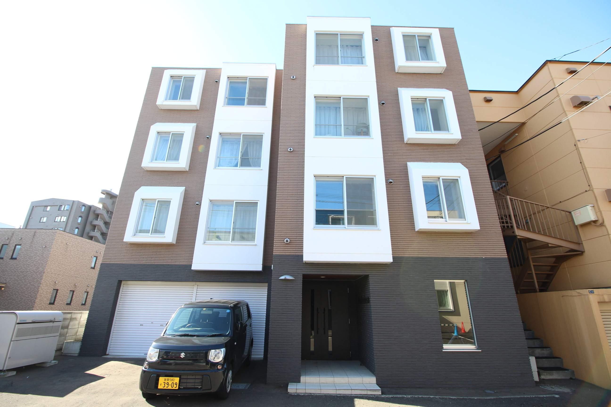 北海道札幌市厚別区、南郷18丁目駅徒歩25分の築5年 4階建の賃貸マンション