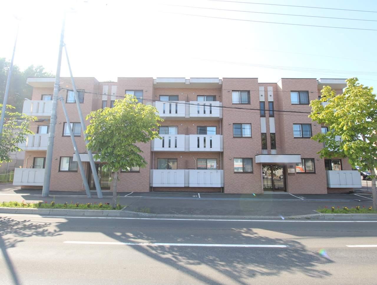 北海道札幌市厚別区、上野幌駅徒歩3分の築10年 3階建の賃貸マンション