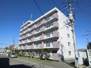 北海道札幌市豊平区、自衛隊前駅徒歩27分の築33年 7階建の賃貸マンション