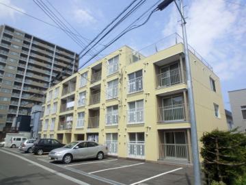 北海道札幌市豊平区、南郷7丁目駅徒歩9分の築28年 4階建の賃貸マンション