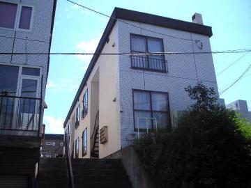 北海道札幌市豊平区、南平岸駅徒歩18分の築34年 2階建の賃貸アパート