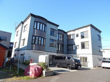 北海道札幌市白石区、白石駅徒歩15分の築19年 3階建の賃貸アパート